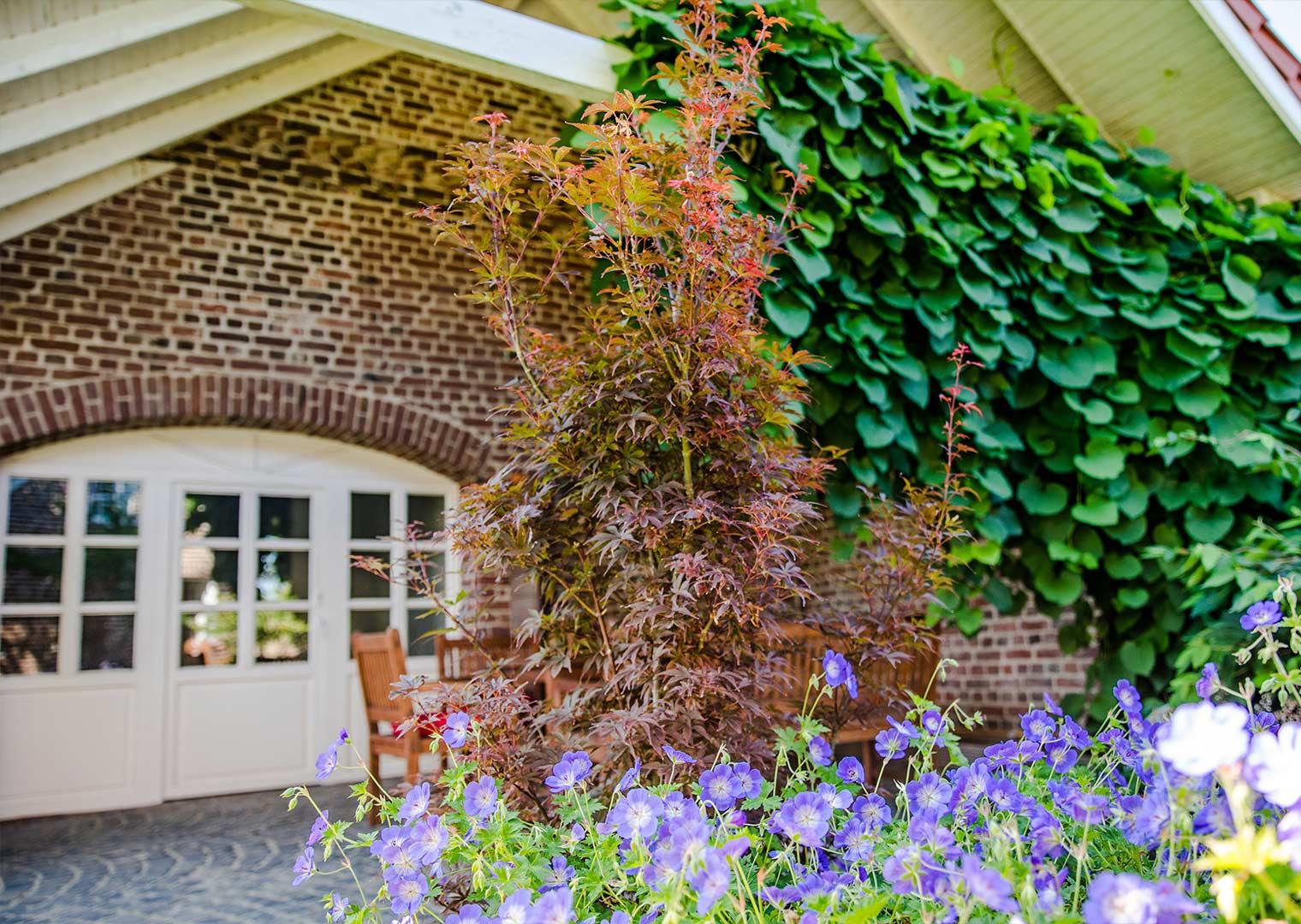 Link zur Bilddatei: roosen_galabau_landschaftsbau_viersen_referenzen_landhaus_galeriebild_08