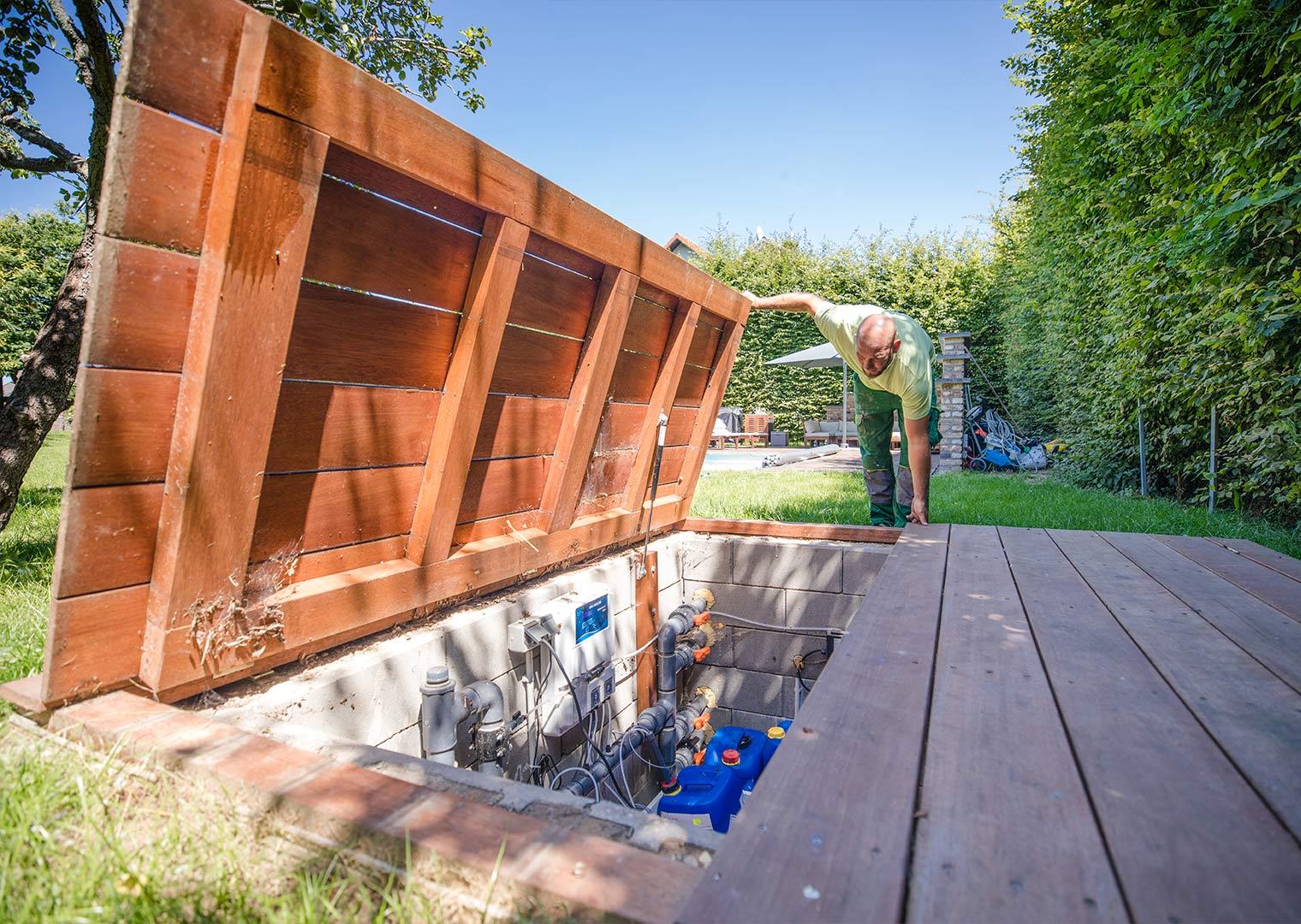 Link zur Bilddatei: roosen_galabau_landschaftsbau_viersen_referenzen_swimmingpool_galerielbild_01