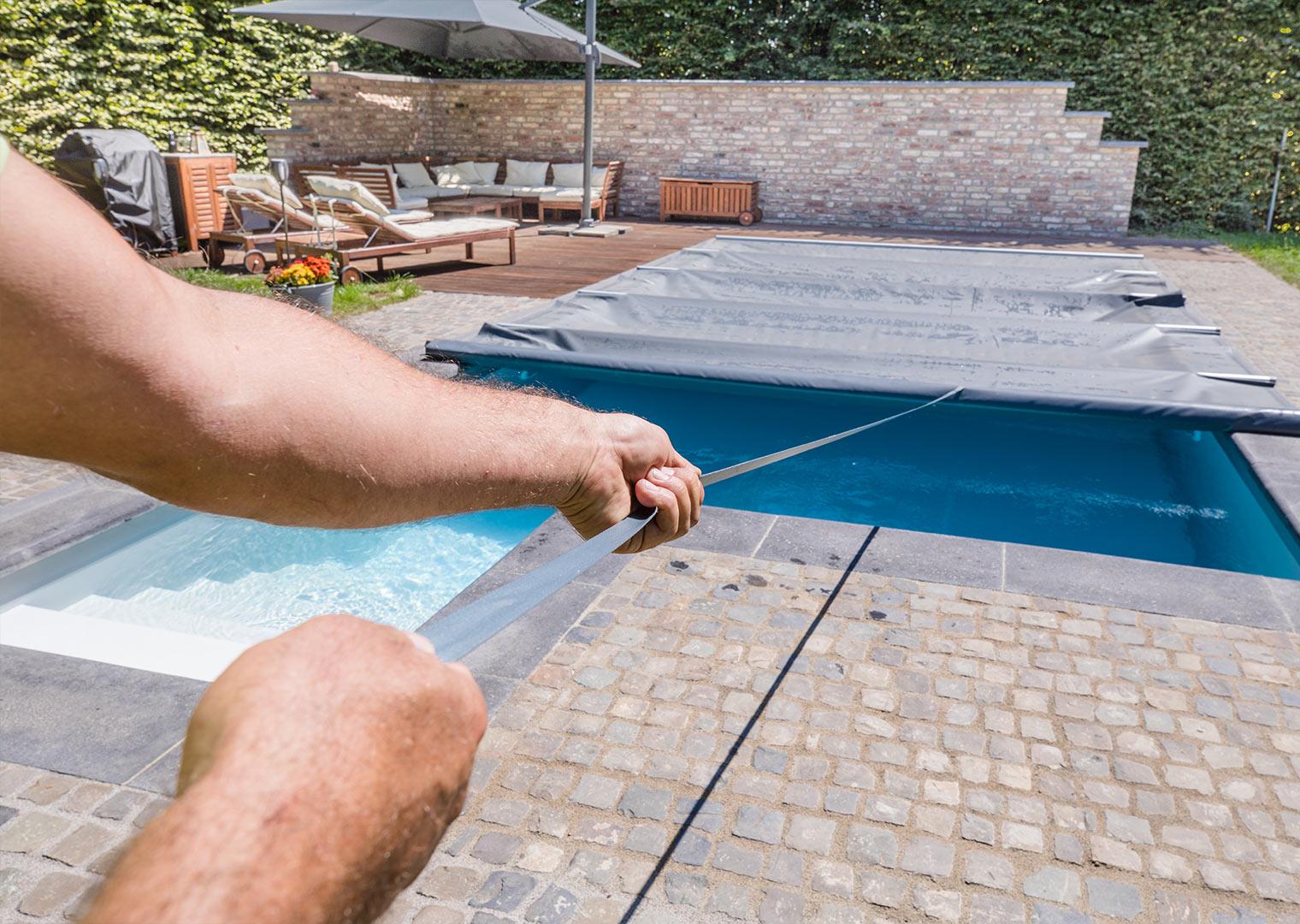 Link zur Bilddatei: roosen_galabau_landschaftsbau_viersen_referenzen_swimmingpool_galerielbild_02
